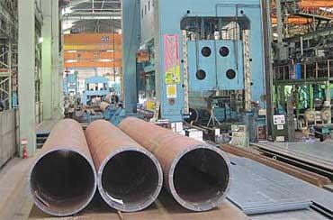 頂上部に使用された円形鋼管と同型の鋼管