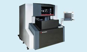 三菱電機「油加工液仕様ワイヤ放電加工機」