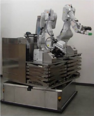 日立製作所「制御技術開発のために製作した自律移動型双腕ロボット」