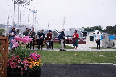 NTN「パークを視察するジュニア・サミットメンバー」