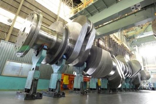 神戸製鋼所の大型クランクシャフト