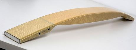 ロハセル: 構造発泡体ロハセルのプルプレス方式で作られた複合部品は、従来の鋼鉄構造部品よりも約75%軽量化されている
